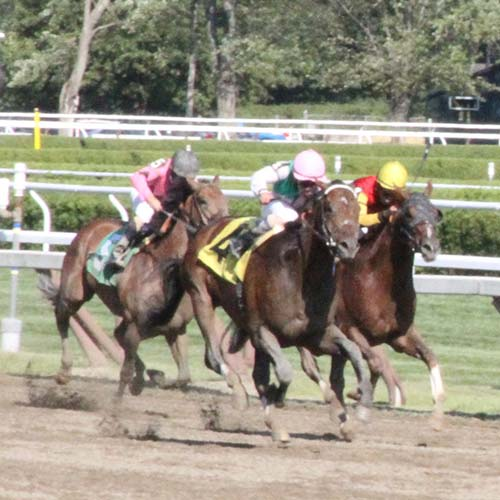 Lake George is a short drive to Saratoga Racetrack